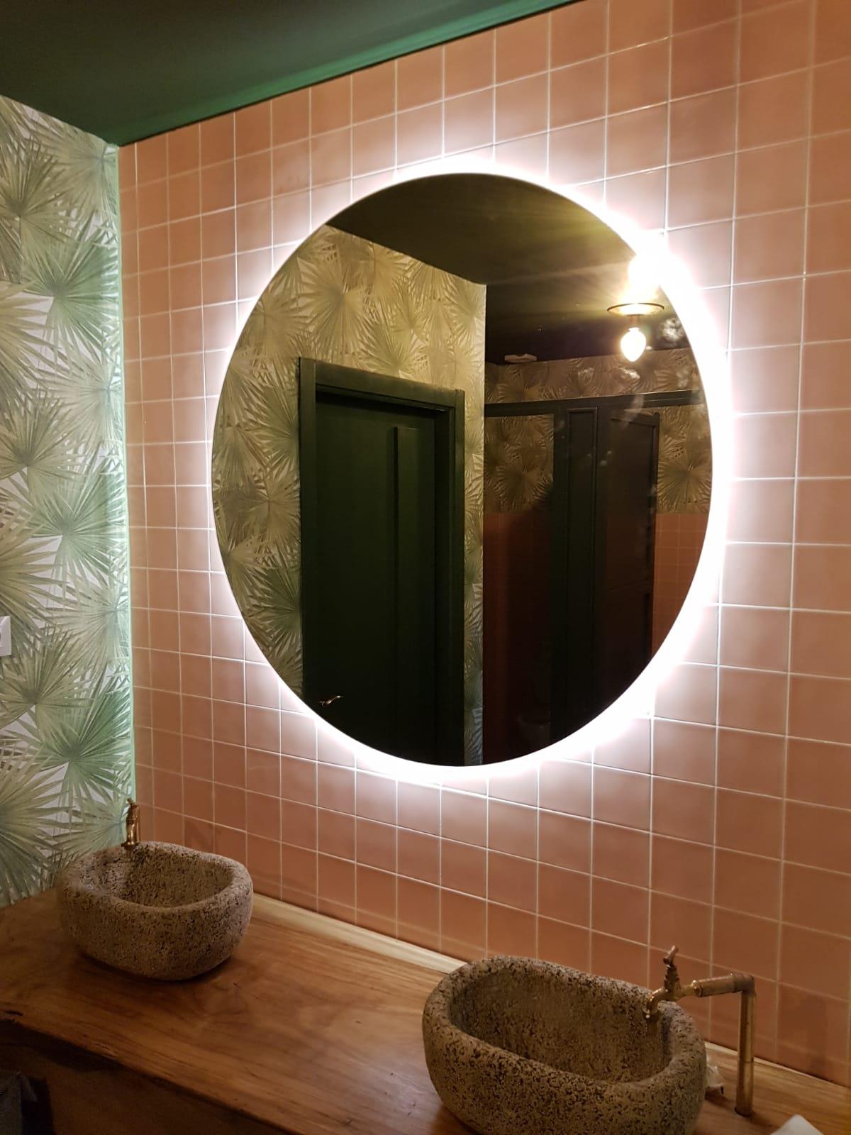 Iluminación espejo baños