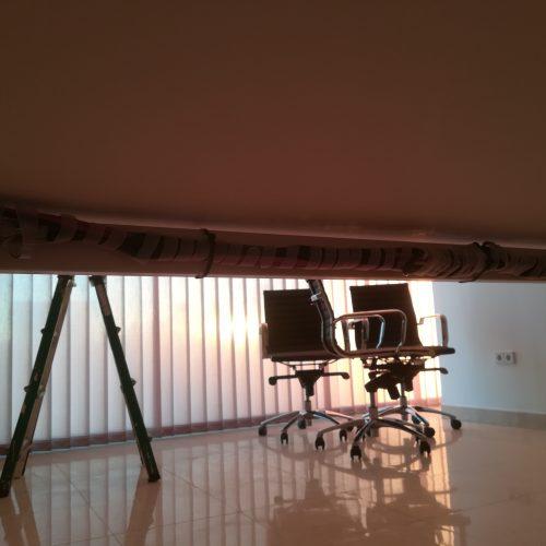Cableado bajo mesa